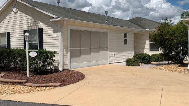 ID#1195 - Location! Location!  Virginia Trace 3BR Courtyard Villa
